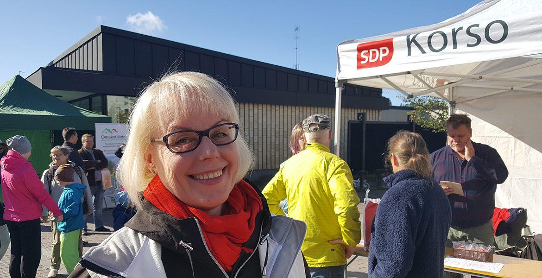 Sirkka-Liisa Korson maalaismarkkinoilla