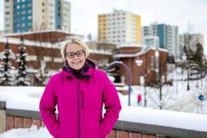 """Sirkka-Liisa """"Siku"""" Kähärä Koivukylässä"""